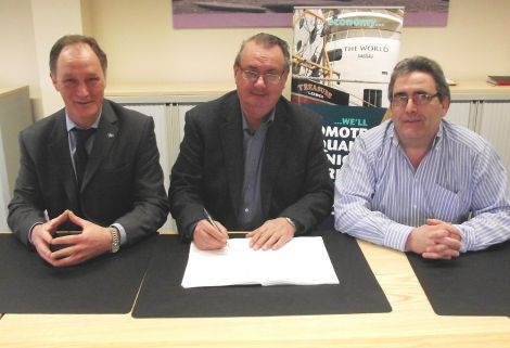 launch crews collective agreement signing