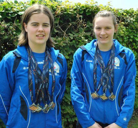 Shetland's golden girls Amy Harper (left) and Andrea Strachan.