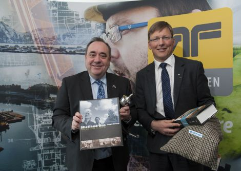 First minister Alex Salmond meets AF Gruppen chief executive Pal Egil Rønn at the company's Oslo headquarters this week.