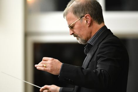 Conducting was shared between Mike Blyth and Nigel Hayward - Photo: Malcolm Younger/Millgaet Media