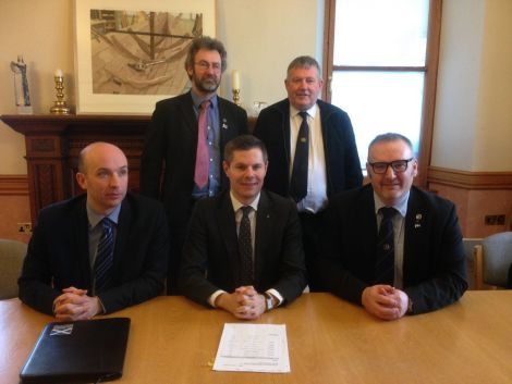From left to right: SNP local government minister Marco Biagi, Orkney council leader Steven Heddle, SNP transport and islands minister Derek Mackay, Western Isles leader Angus Campbell and SIC leader Gary Robinson. Photo: Shetnews