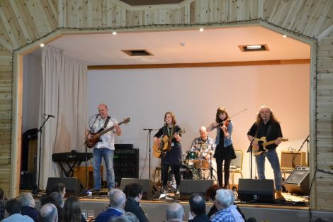The Sheila Henderson Band opening the Burravoe concert on Friday nght. Photo: Shetnews