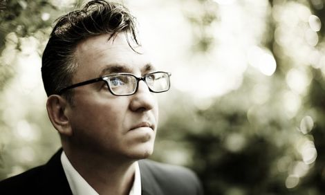 Distinguished Sheffield singer-songwriter Richard Hawley will play an intimate show as part of this year's Screenplay.