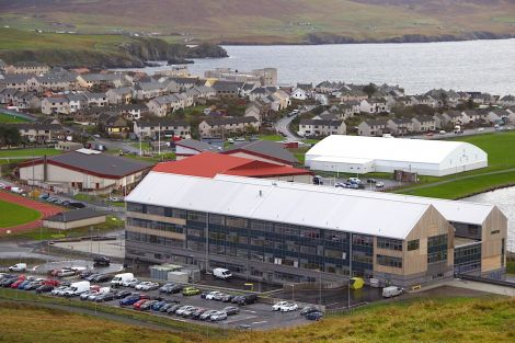 The new Anderson High School seen from Staney Hill with the Clickimin Leisure Centre in the background. Photo: Shetland News