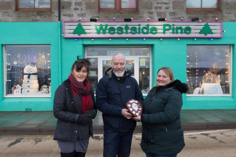 Left to right: Marina Hunter and Marie Gaffney (Westside Pine) with Living Lerwick director Dave Williams. Photo: Ben Mullay