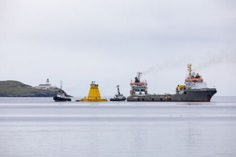 Lerwick Harbour tugs Kebister (left) and Knab assist in preparations for the AHTS (anchor handling tugs supply vessels) Union Bear and Union Lynx (background) to tow the Lancaster Field turret buoy west of Shetland. Photo: John Coutts